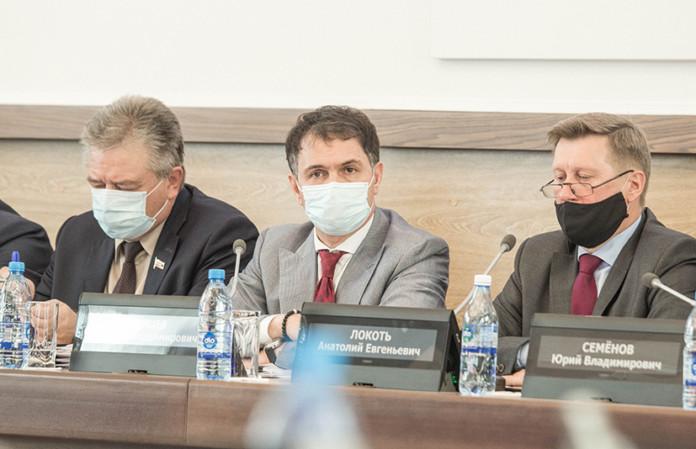 Миниатюра для: «Есть задачи, которые нельзя откладывать»: Cовет депутатов Новосибирска шестого созыва провел завершающую сессию
