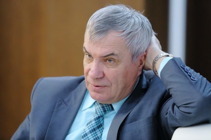Миниатюра для: Ректор НГУ подал документы в избирком на участие в выборах депутатов Заксобрания Новосибирской области