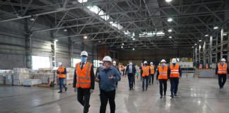 Губернатор Новосибирской области Андрей Травников оценил производственные возможности «Сибстекла»