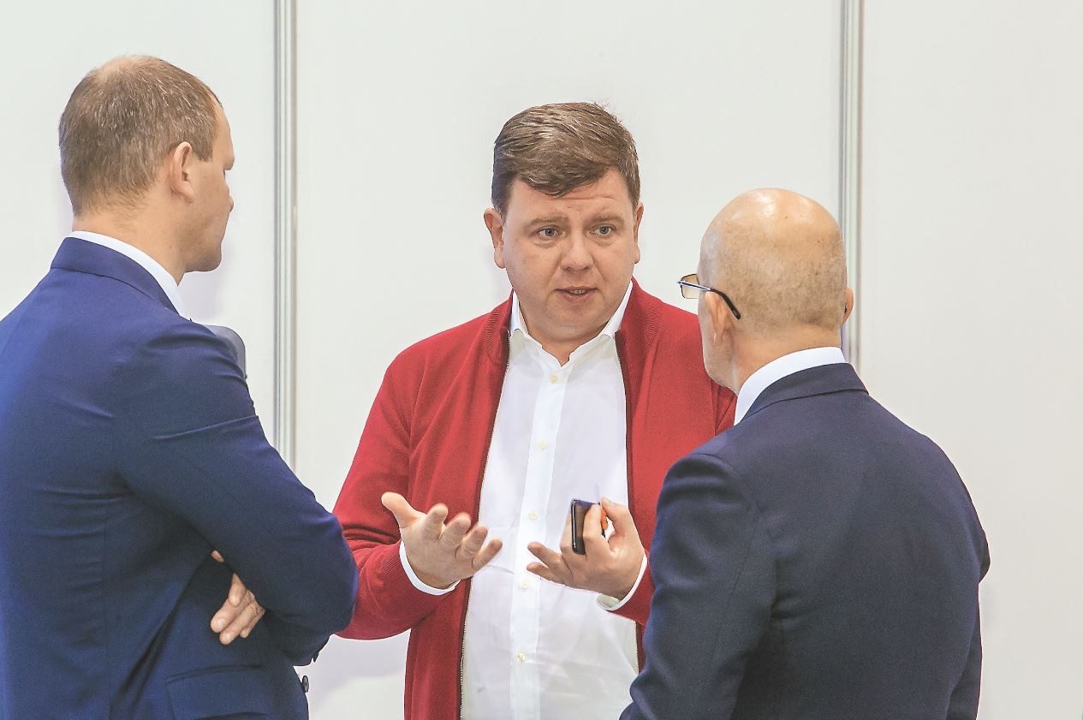 С чем связана частичная смена руководства в крупнейшем сибирском автодилере? - Фотография