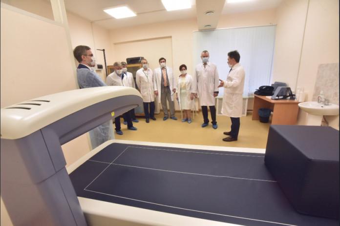 Миниатюра для: Андрей Травников посетил НИИ клинической и экспериментальной лимфологии