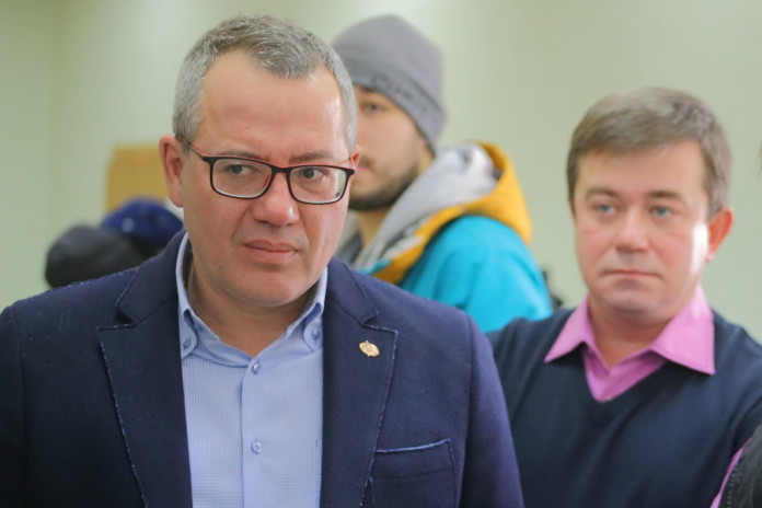 Миниатюра для: Как компромат на КПРФ в Новосибирске отразится на отношениях мэра и губернатора?