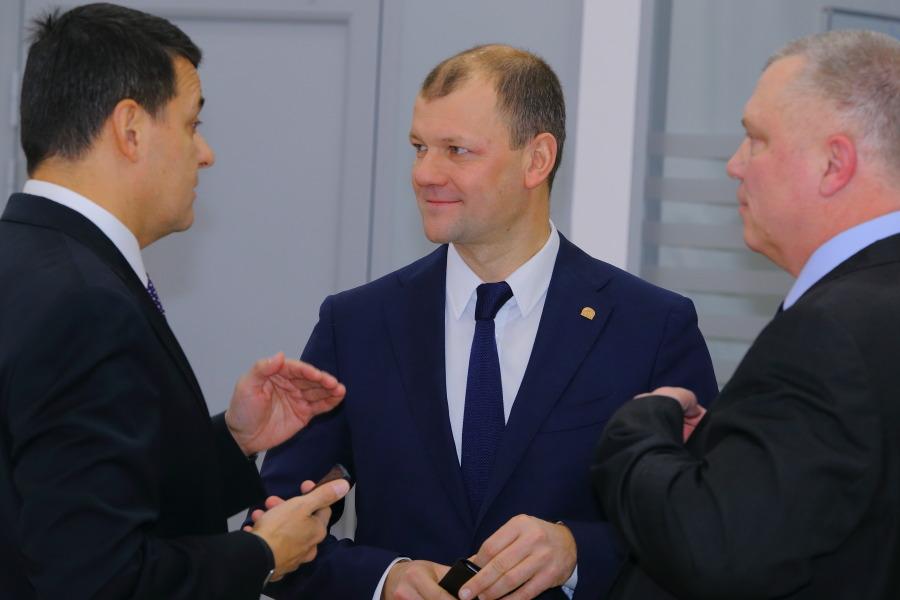 С чем связана частичная смена руководства в крупнейшем сибирском автодилере? - Изображение