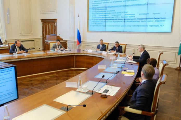 Миниатюра для: Валерий Фальков: «При реализации программы развития Новосибирского научного центра ставка на университет сделана стратегически правильно»
