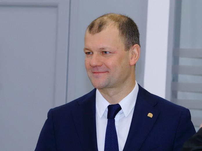Миниатюра для: С чем связана частичная смена руководства в крупнейшем сибирском автодилере?