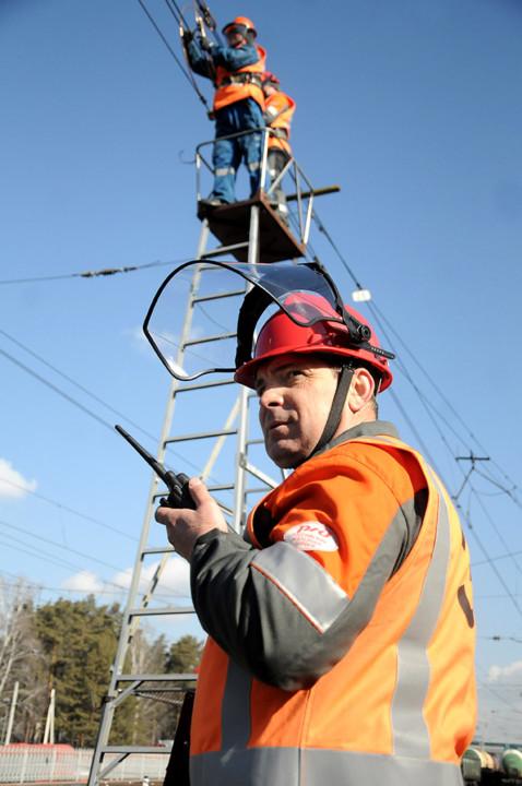 Миниатюра для: Масштабные работы по ремонту и реконструкции устройств электроснабжения проводит ЗСЖД в Новосибирской области