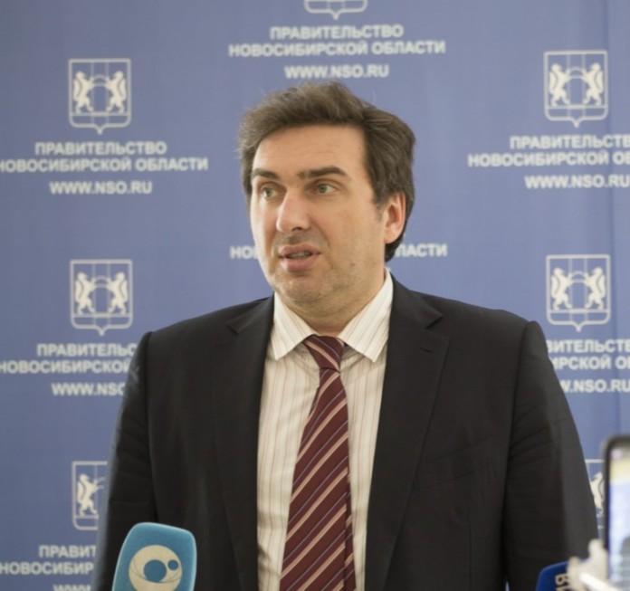 Миниатюра для: Глава областного минздрава рассказал, когда новосибирцам начнут выдавать лекарства от коронавируса на дому