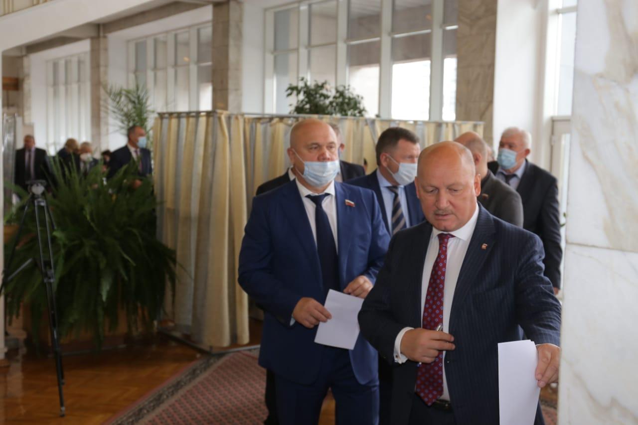Новосибирские депутаты выбрали руководящий состав Законодательного собрания - Изображение