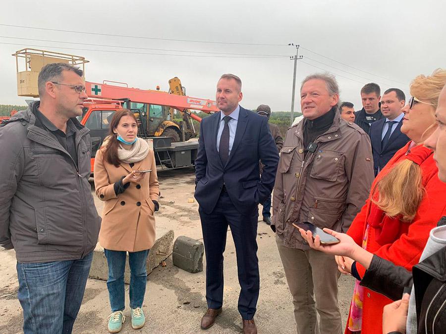 Борис Титов (справа) позитивно оценил вклад ПЛП в экономику Новосибирской области