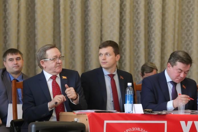 Миниатюра для: «Зачем нам это УГ»: депутаты и политики – о включении их в «Умное голосование» в Новосибирске