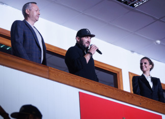 Хоккеист Александр Овечкин встретился с новосибирскими спортсменами