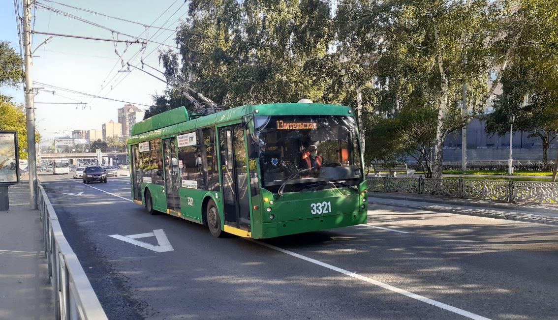 Ускорение Новосибирска: пересядет ли рядовой автомобилист на общественный транспорт? - Фото