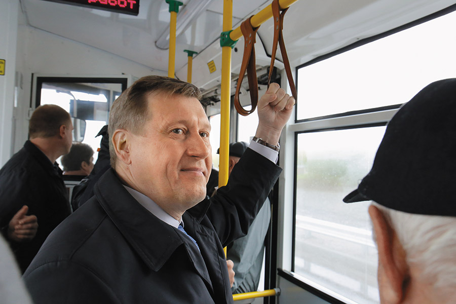 Анатолий Локоть, транспорт