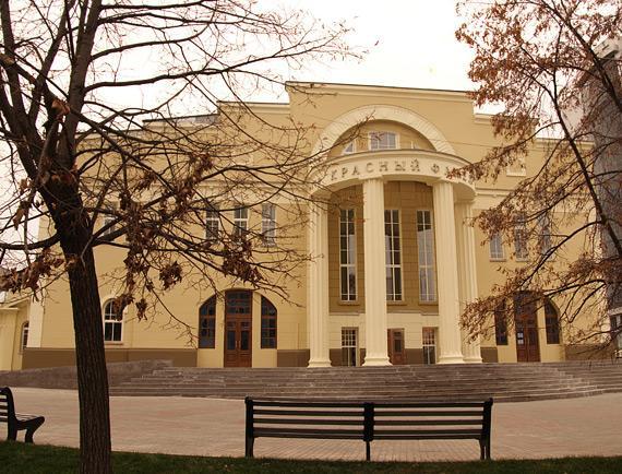 Миниатюра для: Новосибирский театр приостановил работу из-за коронавируса