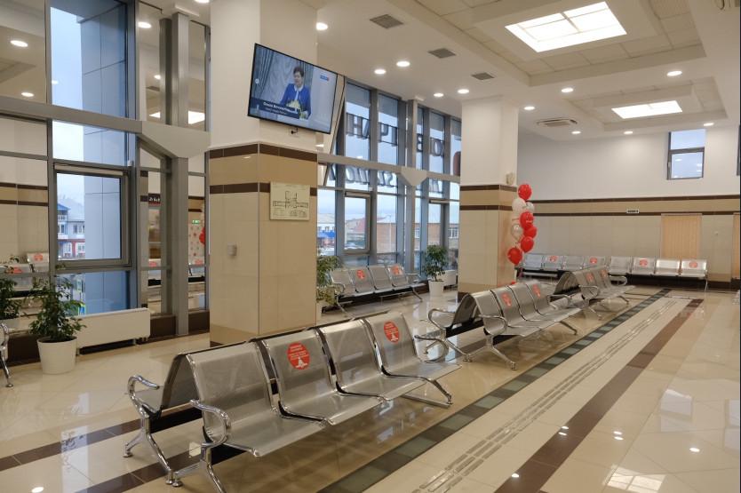 Андрей Травников дал старт работе двух обновленных вокзалов в Новосибирской области - Изображение