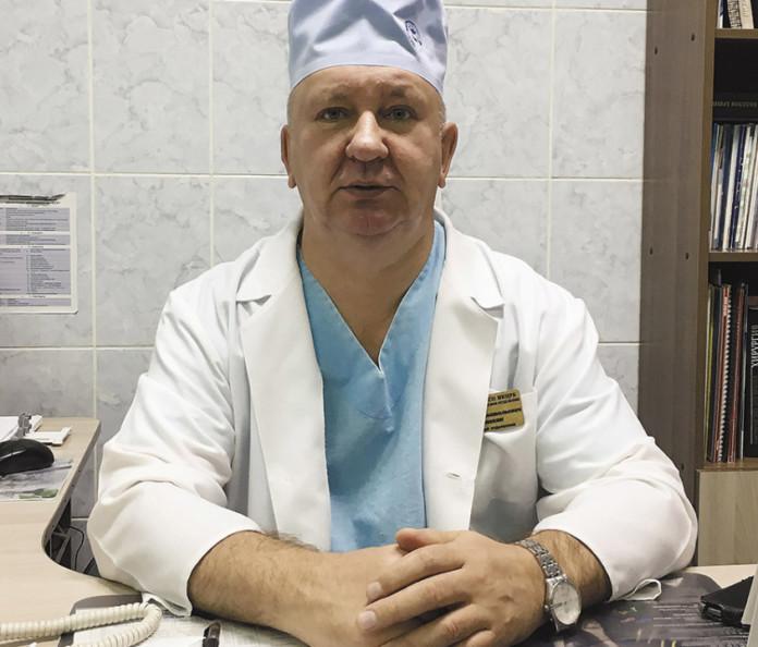 Миниатюра для: «Необходима всеобщая мобилизация врачей»: депутат и хирург больницы Краснообска о мерах борьбы с COVID-19