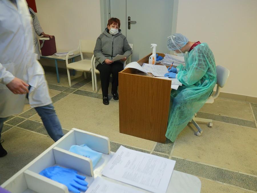 Коллапс медицины: почему в Новосибирске нельзя дозвониться в поликлинику, и куда пропали лекарства из аптек? - Картинка