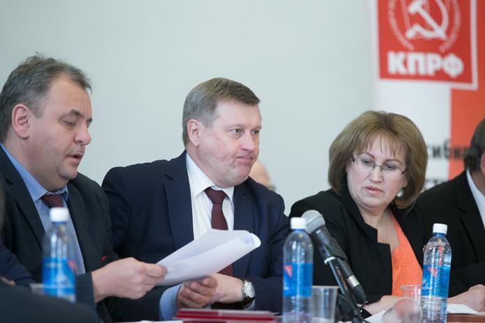 Достанутся ли проходные места в Госдуму новосибирским коммунистам?