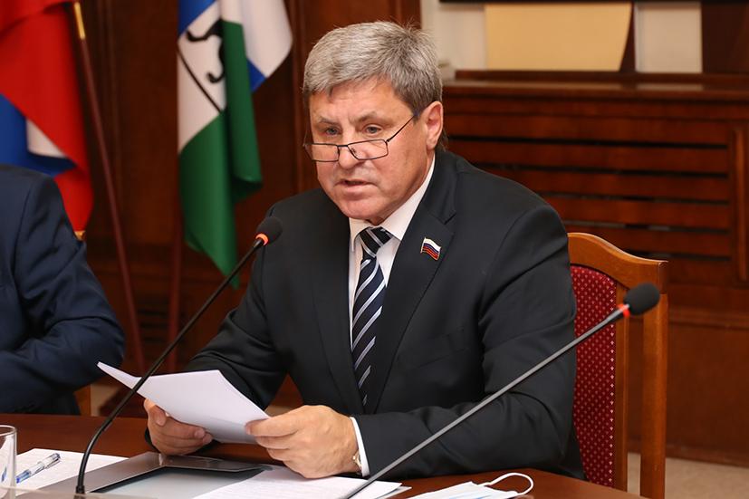 Новосибирские парламентарии: «В сравнении с 90-ми торговля развивается и совершенствуется» - Фотография