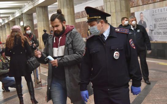 200 новосибирских пассажиров без масок не пустили в метро