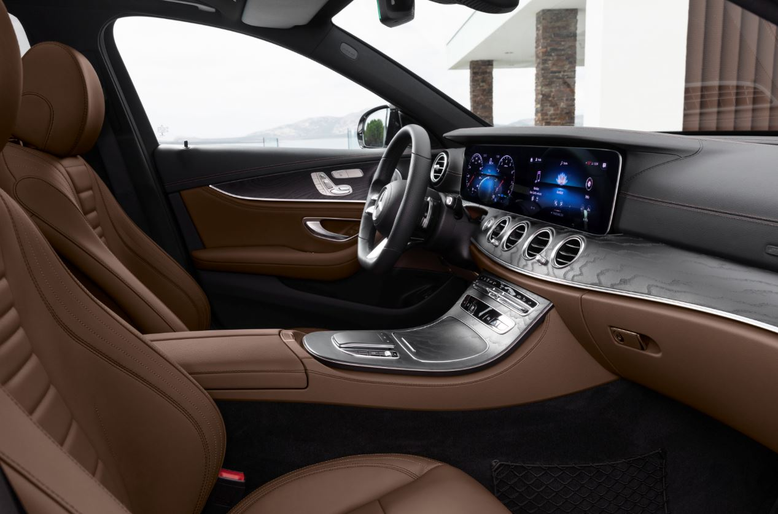 BMW 5-Series или Mercedes Е-class: два главных конкурента обновились в 2020 году - Картинка
