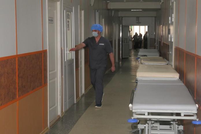 Миниатюра для: Коронавирусный госпиталь Новосибирска оспорит штраф в 100 тысяч рублей за нарушение гигиенических норм