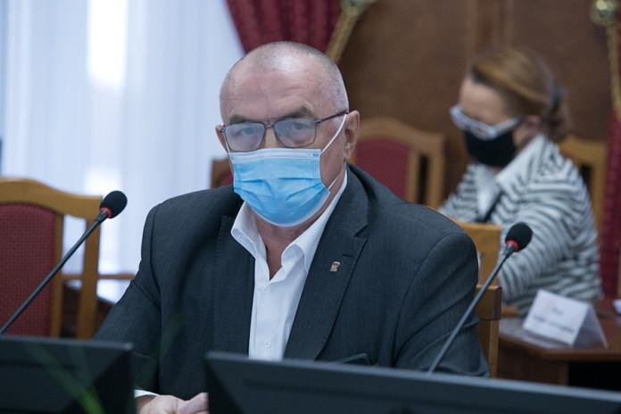 Миниатюра для: Депутат Николай Мочалин предложил  сократить статьирегионального бюджета,  не связанные со спасением людей в период пандемии