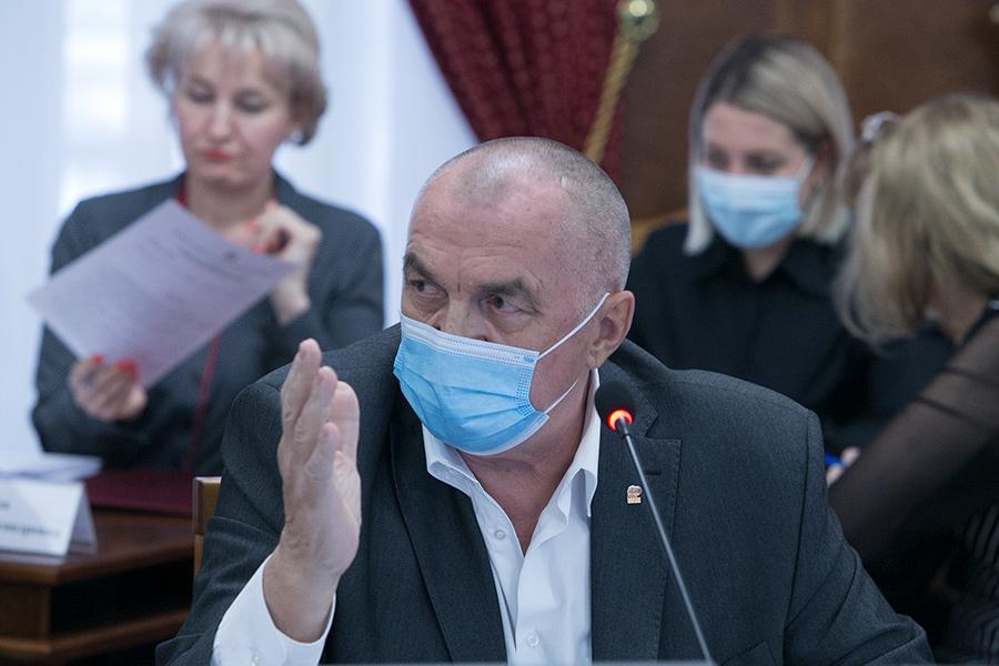 Депутат Николай Мочалин предложил  сократить статьирегионального бюджета,  не связанные со спасением людей в период пандемии - Фотография