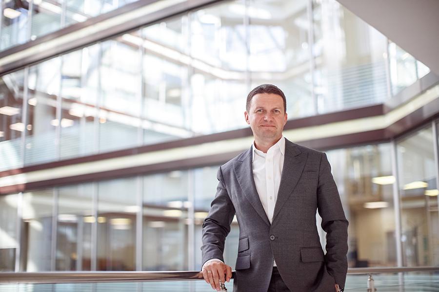 Дмитрий Средин: «Все чаще мы ведем переговоры не с финансистами, а с ИТ-директорами компаний» - Фото