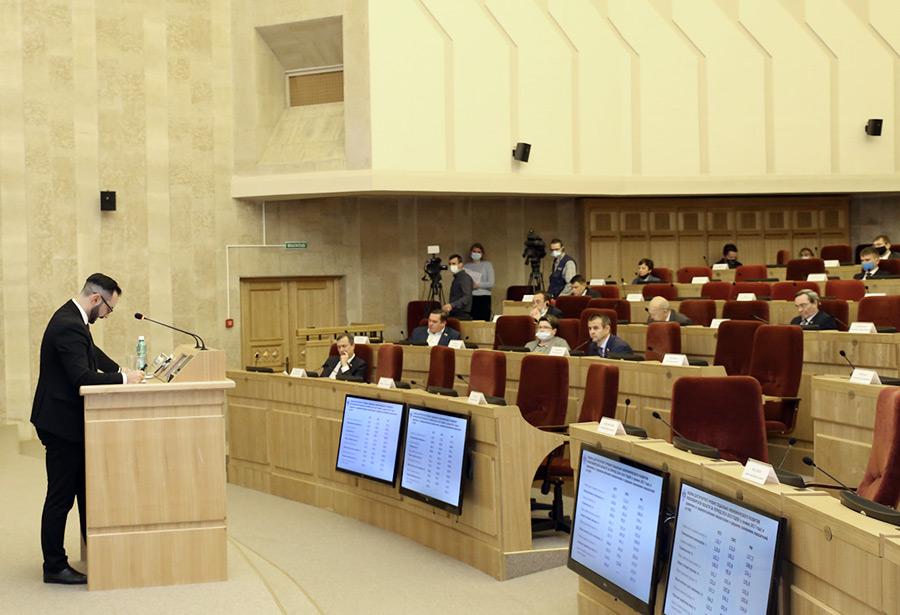 Еще больше «неприкасаемых» расходов, еще меньше денег минстрою и минцифре – каким может стать бюджет Новосибирской области-2021