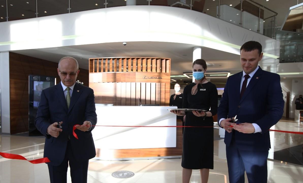 В Красноярске открылся новый полнофункциональный дилерский центр Lexus - Фотография