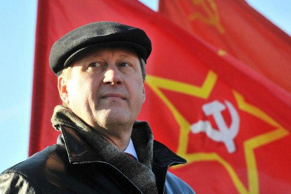 Миниатюра для: Мэр Новосибирска предложил российским спортсменам выступать под флагом СССР