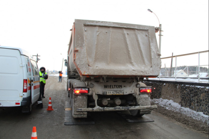 Миниатюра для: Перевозчики попросили новосибирского губернатора снизить налоги