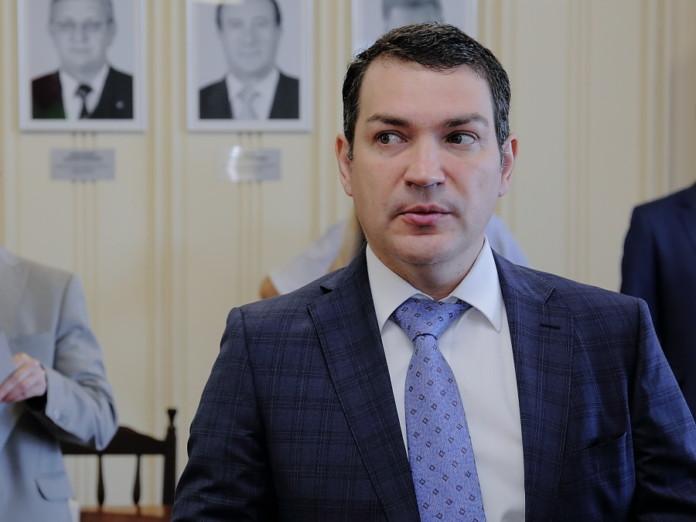 Миниатюра для: Депутат Госдумы выступил против закрытия новосибирского ВУЗа