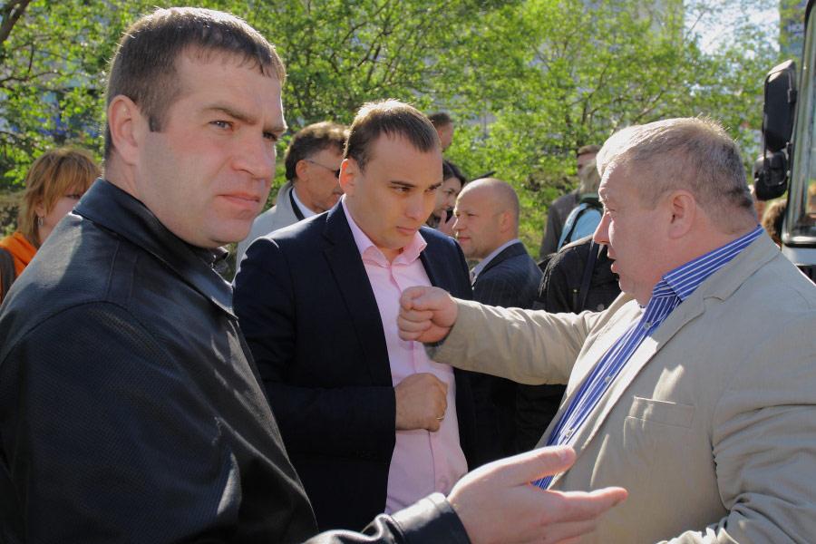 Иван Митряшин (слева) и Иван Сидоренко (в центре)