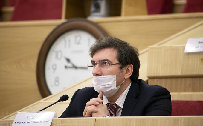 Министр здравоохранения Константин Хальзов - Фото 2020 года