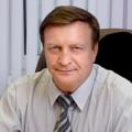 Владимир Хританков поздравляет Андрея Травникова