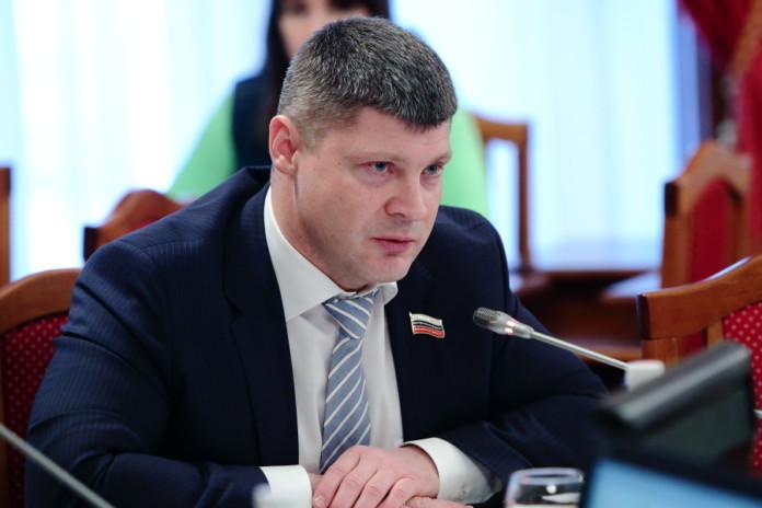 Миниатюра для: СМИ: У находящегося под следствием новосибирского парламентария нашли недвижимость и счета за границей
