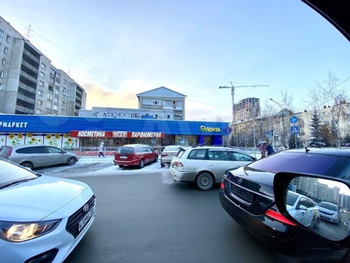 Миниатюра для: Помещение магазина «Лента» на улице Ленина вновь выставлено на продажу