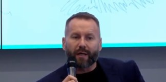 Директор АИР Александр Зырянов