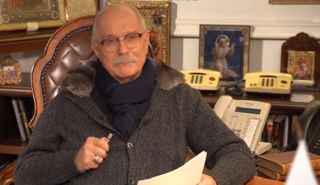 Миниатюра для: Новосибирским парикмахерам разрешили стричь клиентов без согласия Никиты Михалкова