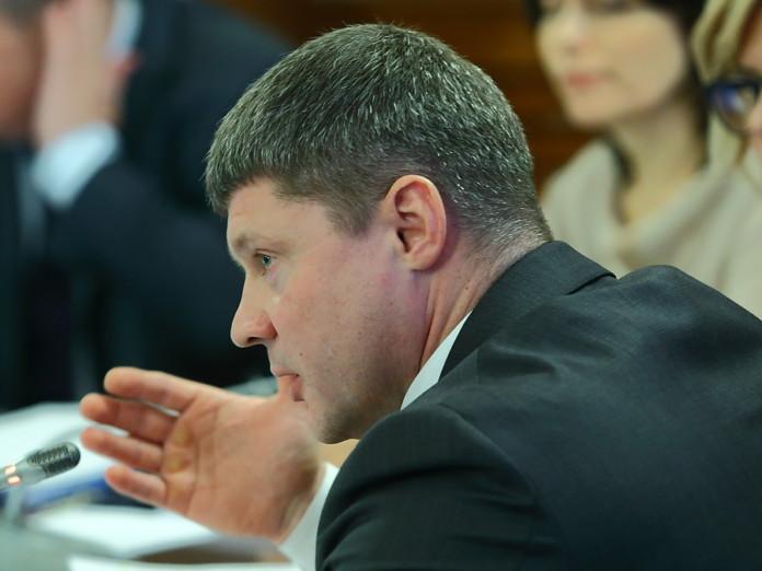 Миниатюра для: «ЕР» приостановила членство ставшего фигурантом уголовного дела новосибирского парламентария
