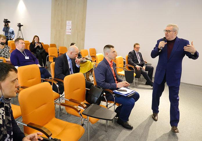 Виктор Толоконский на форуме