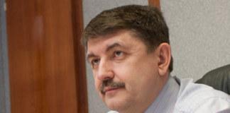 Олег Утиралов