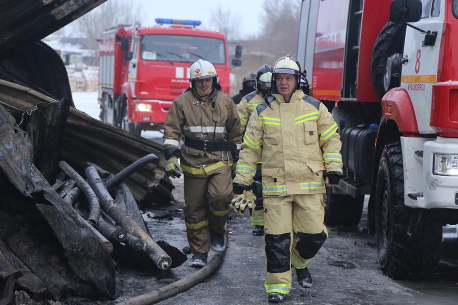 Тушение пожара в Красноярске