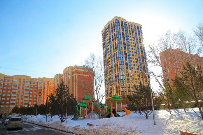 Миниатюра для: В Новосибирске семь многоквартирных домов Закаменского микрорайона отключили от котельных и подключили к ТЭЦ-5