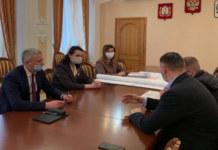 """Встреча мэра Омска с представителями компании """"Брусника"""""""