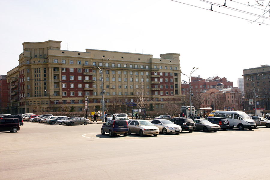 Площадь Свердлова Новосибирск Стоквартирный дом