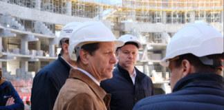 Александр Жуков на стройке Ледовой арены