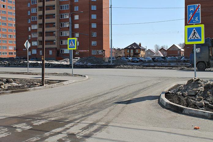 Выезд на улицу Титова
